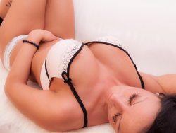 sexcam foto zeigt cocoash in sexy dessous